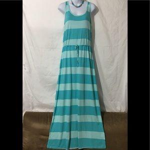 GAP Dresses - GAP STRIPED MAXI DRESS